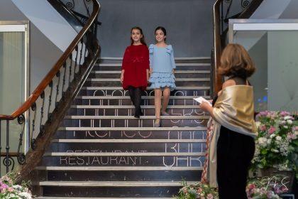 Raquel y Daniela por Miguel Santamaría Vicent.