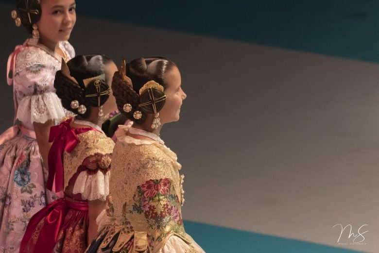 Celia, Daniela y Zaira por Miguel Santamaría Vicent.
